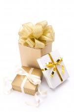 3 Geschenke mit Schleife