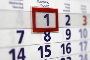 Papierkalender, von der Seite aus betrachtet